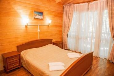 """фото Коттедж 3-местный 2-комнатный, Отельный комплекс """"Поляна Сказок"""", Ялта"""