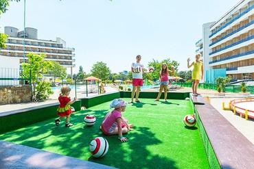 """фото детская площадка, ALEAN FAMILY RESORT & SPA BIARRITZ / Биарриц отель (бывш. """"Сосновая роща""""), Геленджик"""