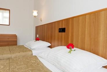 """фото стандартный мини 2-местный 2-комнатный без балкона, Пансионат """"Ласточка"""" в составе Отеля """"Ривьера-клуб"""", Анапа"""