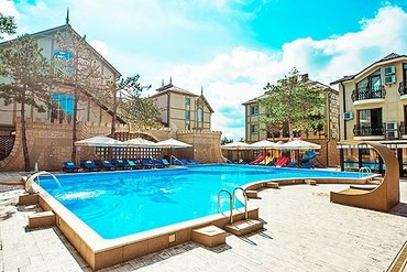 "фото бассейн, ALEAN FAMILY RESORT & SPA DOVILLE отель (бывш. ""Довиль Отель & SPA"" SPA-Отель), Анапа"