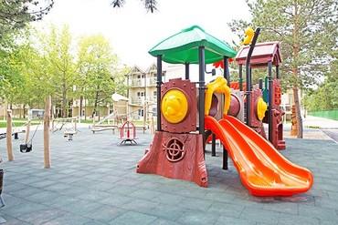 """фото детская площадка, ALEAN FAMILY RESORT & SPA DOVILLE отель (бывш. """"Довиль Отель & SPA"""" SPA-Отель), Анапа"""