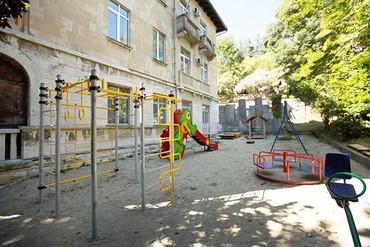 """фото детская площадка, Отель """"Орджоникидзе"""", Сочи"""