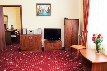 "фото Люкс 2-местный 2-комнатный, Пансионат ""Золотая Линия"", Анапа"