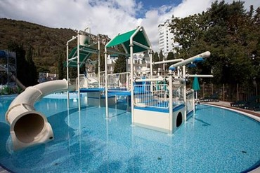 """фото бассейн с горкой, Отель """"Пальмира-Палас"""", Ялта"""