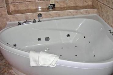 "фото Люкс 2-комнатный «париж» ванна, Отель ""Пальмира-Палас"", Ялта"