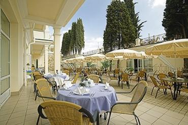 """фото кафе на улице, Отель """"Пальмира-Палас"""", Ялта"""