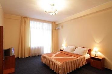 """фото Семейный люкс 2-местный 3-комнатный, Отель """"Норд"""", Алушта"""