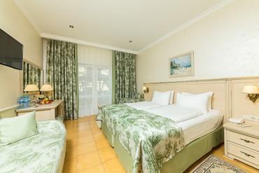 """фото Супериор 4-местный 2-комнатный, ALEAN FAMILY RESORT & SPA DOVILLE отель (бывш. """"Довиль Отель & SPA"""" SPA-Отель), Анапа"""