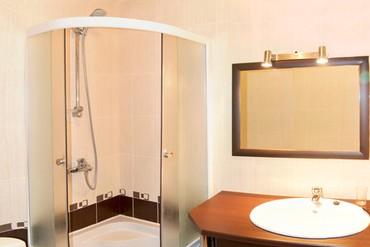 """фото Стандартный 3-местный 2-комнатный корп.3, Отель """"Бастион"""", Судак"""