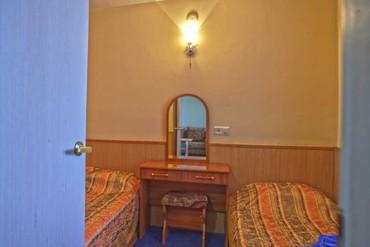 """фото Стандартный 4-местный 3-комнатный корп.Б (2,3 эт), Гостиничный комплекс """"Орешник"""", Сочи"""
