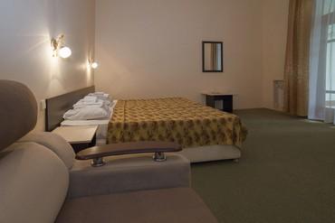 """фото Комфорт 2-комнатный 2-местный, Отель """"Орджоникидзе"""", Сочи"""