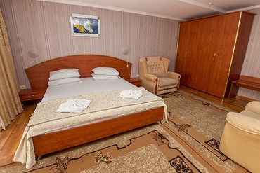 "фото Family 2-местный,1-комнатный, Санаторий ""Славутич"", Алушта"