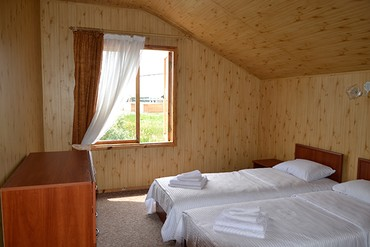 """фото Коттедж 4-местный 3-комнатный деревянный сруб, Отель """"Нарлен"""", Коктебель"""