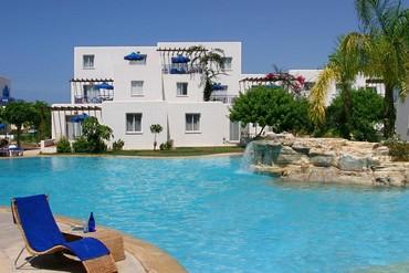 """фото Бассейн, Отель """"Aliathon Holiday Village"""" 4*, Кипр"""