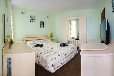 """фото Deluxe 2, 2-местный, 2-комнатный, Отель """"1001 ночь"""", Ялта"""