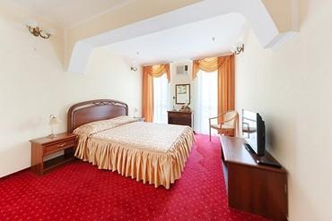 """фото Suite 2, 2-местный, 2-комнатный, Отель """"1001 ночь"""", Ялта"""