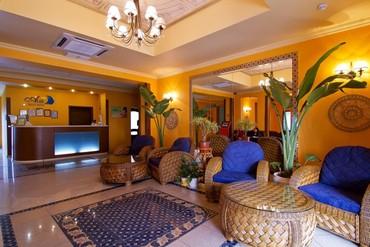 """фото Холл, Отель """"Alex Beach Hotel"""", Абхазия"""