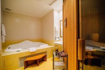 """фото Апартаменты Голицын 3-комнатный 4-местный, Отель """"Ореанда"""", Ялта"""