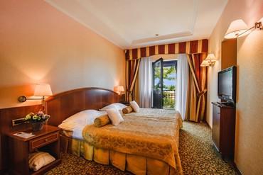 """фото Люкс Премьер 3-местный, 2-комнатный, вид на море, Отель """"Ореанда"""", Ялта"""