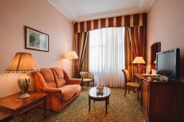 """фото Люкс Классический 2-комнатный, 3-местный, Отель """"Ореанда"""", Ялта"""