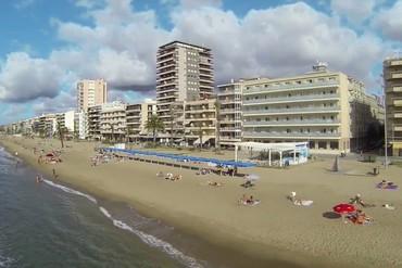 """фото Пляж, Отель """"4R Miramar Calafell 4*"""", Коста Дорада"""