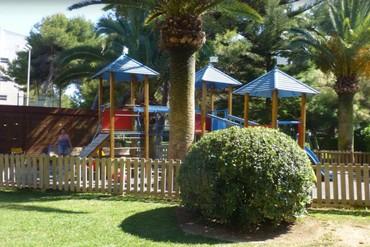 """фото Детская площадка, Отель """"Family Life Alcudia Pins 3*"""", Майорка"""