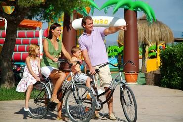 """фото Прокат велосипедов, Отель """"Family Life Alcudia Pins 3*"""", Майорка"""