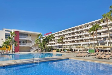 "фото Бассейн, Отель ""Sol Alcudia Center Hotel Aptos 3*"", Майорка"