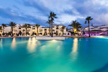 "фото бассейн, Отель ""Globales Aparthotel Bouganvilla 3*"", Майорка"
