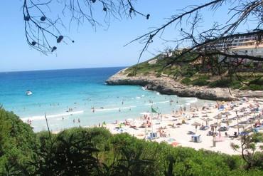 """фото Пляж, Отель """"Insotel Cala Mandia Resort 4*"""", Майорка"""