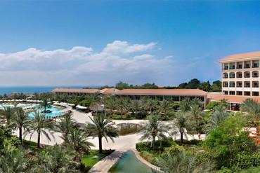 "фото Территория, Отель ""Fujairah Rotana Resort & SPA 5*"", Фуджейра"