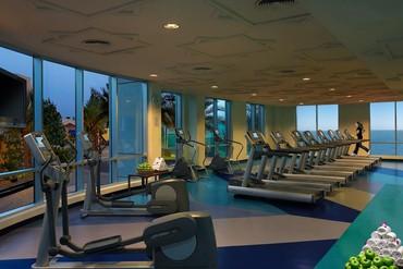 """фото Тренажерный зал, Отель """"Habtoor Grand Beach Resort & Spa"""" 5*, Дубай"""