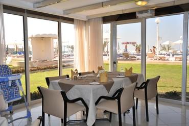 "фото Питание, Отель ""Sharjah Carlton Hotel"" 4*, Шарджа"