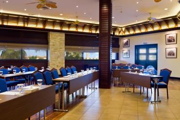 """фото Конференц-зал, Отель """"Radisson Blu Resort Sharjah"""" 4*, Шарджа"""