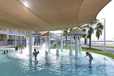 """фото бассейн для детей, Отель """"Radisson Blu Resort Fujairah 5*"""", Фуджейра"""