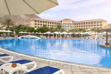 "фото Бассейн, Отель ""Fujairah Rotana Resort & SPA 5*"", Фуджейра"