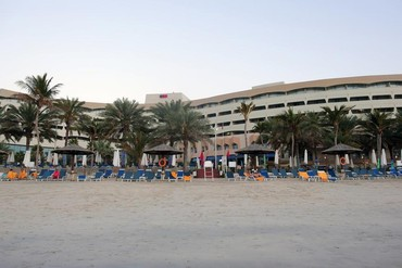 "фото пляж, Отель ""Sharjah Grand Hotel"" 4*, Шарджа"