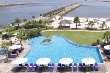 "фото Бассейн, Отель ""Radisson Blu Resort Sharjah"" 4*, Шарджа"