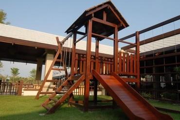 """фото Детская площадка, Отель """"Ravindra Beach Resort & Spa"""" 4*, Паттайя"""