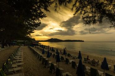 """фото Пляж, Отель """"Amora Beach Resort"""" 4*, Пхукет"""