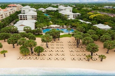 "фото Пляж, Отель ""Ravindra Beach Resort & Spa"" 4*, Паттайя"