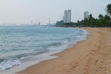"фото Пляж, Отель ""Ravindra Beach Resort & Spa"" 4*, Паттайя"