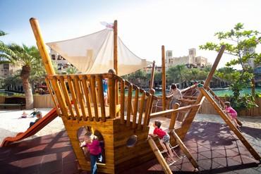 """фото Детская площадка, Отель """"Madinat Jumeirah Dar Al Masyaf Summerhouse 5*"""", Дубай"""