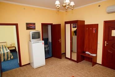 """фото Семейный Family (вид на Генуэзскую крепость), Отель """"Гранд (Судак)"""", Судак"""