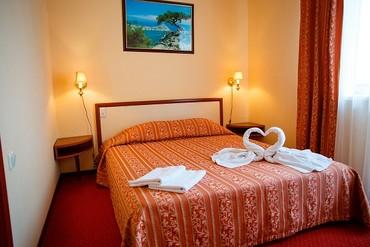 "фото Люкс Suite MV (вид на мыс Алчак) 2-х местный 2-х комнатный, Отель ""Гранд (Судак)"", Судак"