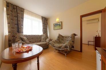 """фото Полулюкс 2-местный 2-комнатный с видом на море с доп. местом, Гостиница """"Черноморская (Анапа)"""", Анапа"""