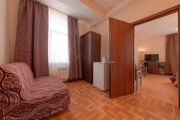 """фото Полулюкс 3-местный 2-комнатный с балконом с доп. местом, Гостиница """"Черноморская (Анапа)"""", Анапа"""