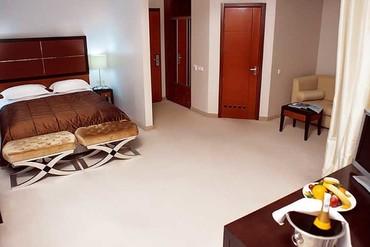 """фото 975x490-room_polulux_1.ebd_, Отель """"Porto Mare"""", Алушта"""