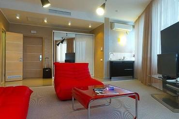 """фото Апартаменты Делюкс 2-местные 2-комнатный, Отель """"Европа"""", Алушта"""
