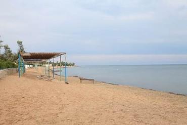 "фото Пляж, Санаторий ""Маяк ДСОЦ (Заозерное)"", Евпатория"